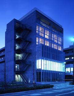川口医院はこのビルの2Fです。